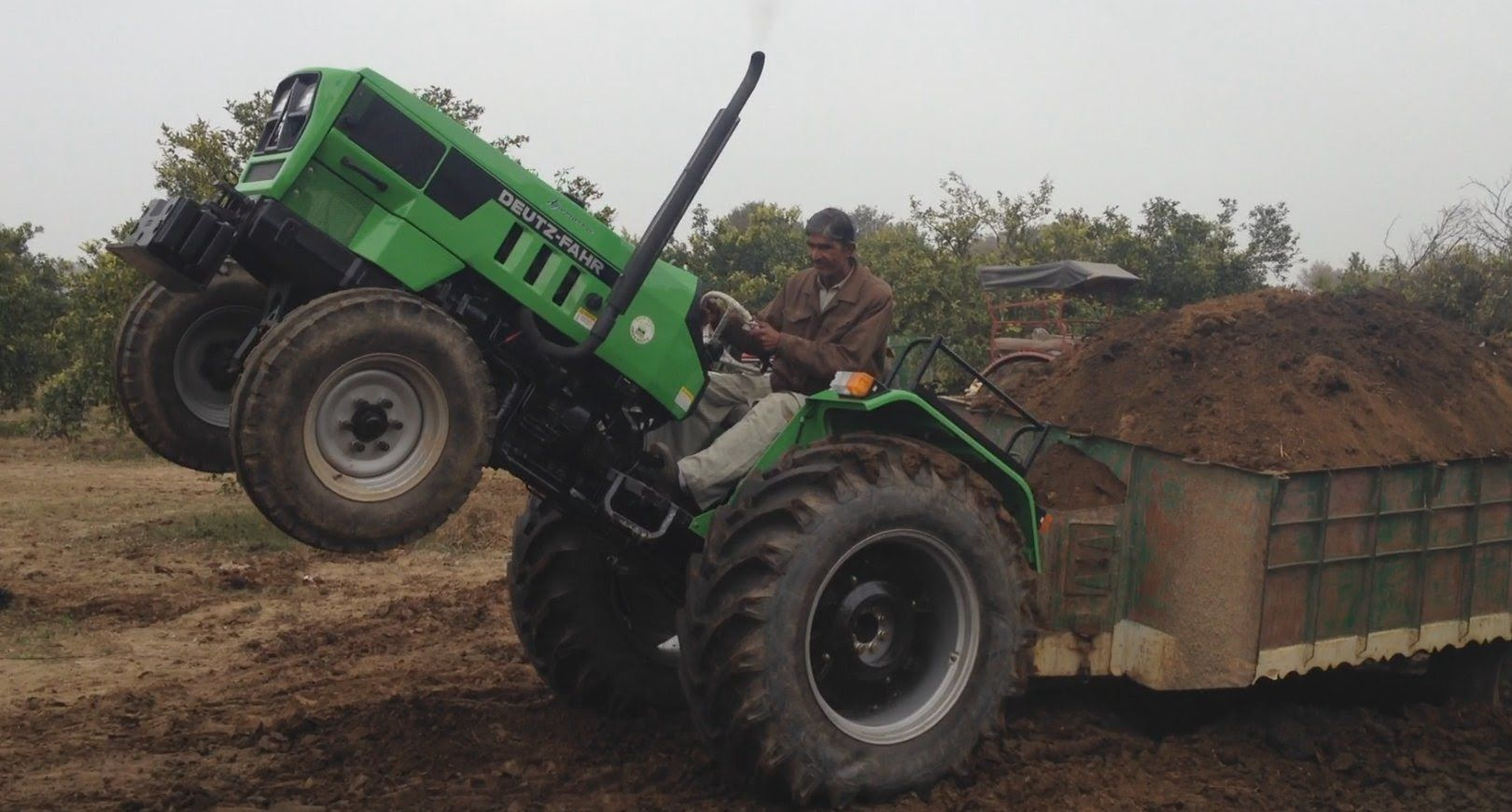 Grond En Mesttransport Met Mahindra En Deutz In India Trekkerweb Traktor