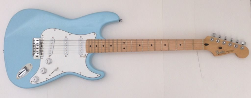 2002 Fender Stratocaster Mim Sonic Blue Color With Vintage Tinted Maple Fret Board