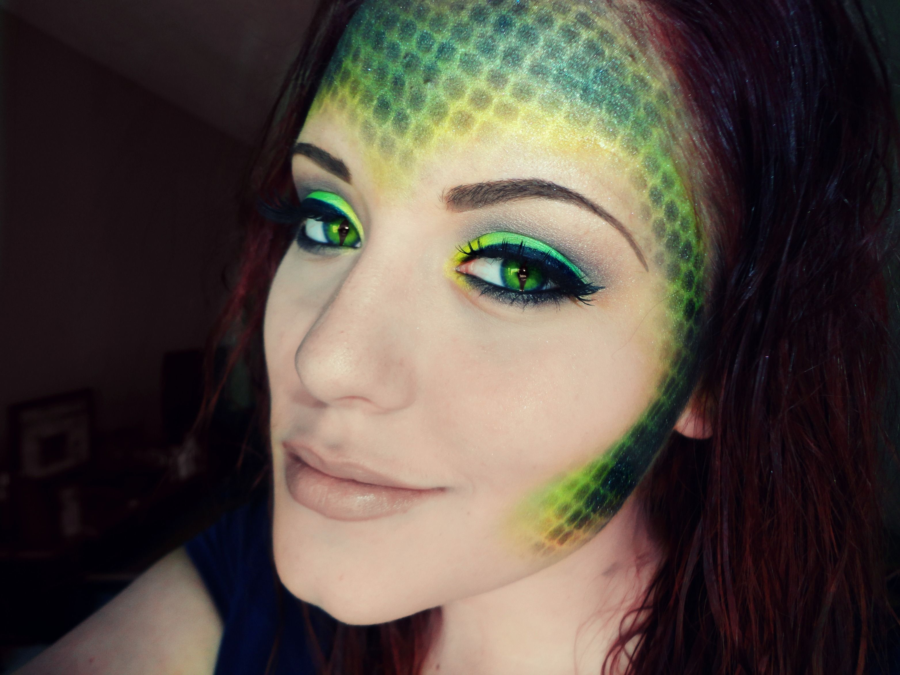 snake makeup texture but to be on cheeks (With images