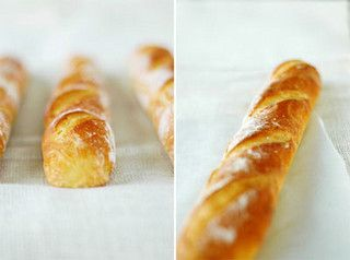 Homemade French Baguettes >> I have a soft spot for warm, fresh baguettes... Wonderfully delicious!