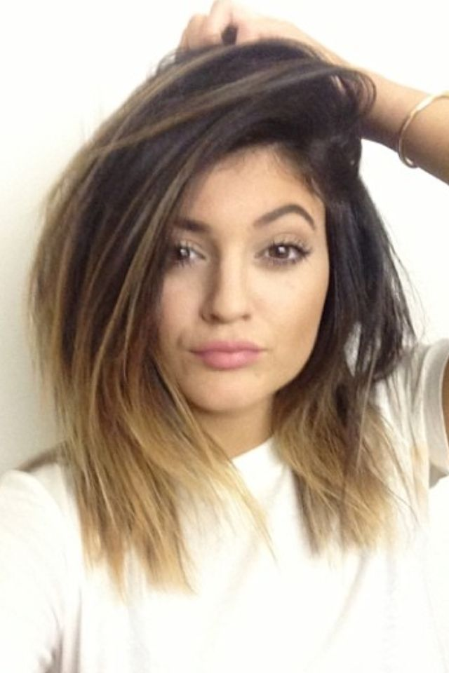 17 Selfies That Show How Much Kylie Jenners Lips Changed This Year