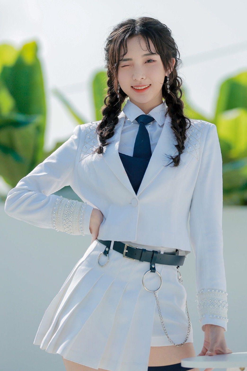 Nene เนเน่ 郑乃馨 | ไอเดียชุดแฟนซี, ผู้หญิง, แฟชั่นผู้หญิง
