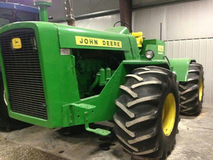 John Deere.John Deere 8020-215hp
