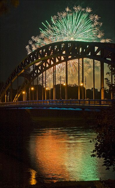 Fireworks Banks Of Elbe River Magdeburg Germany Magdeburg Visit Germany Germany