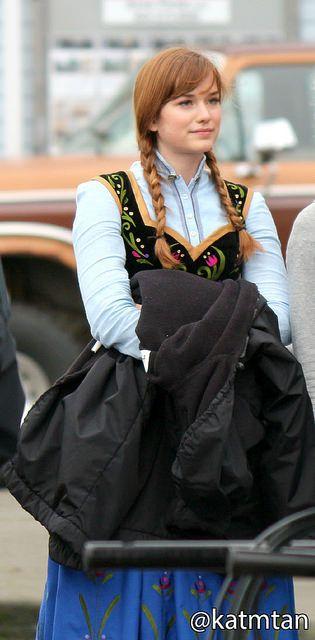 Elizabeth Lail on set - October 22, 2014