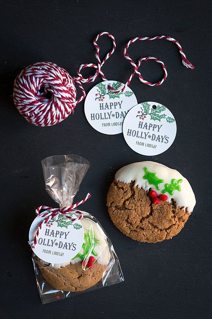 White Chocolate Dipped Ginger Cookies With Holly Leaves In 2019
