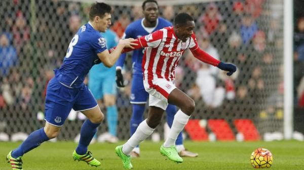 Premier League Shaqiri Sings Imbula Praises After Impressing For Stoke Premier League Stoke City Everton