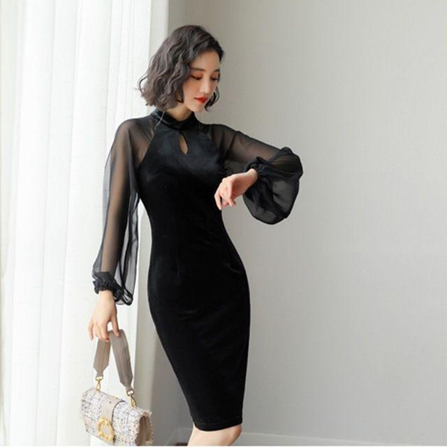 Pin En Vestido Negro