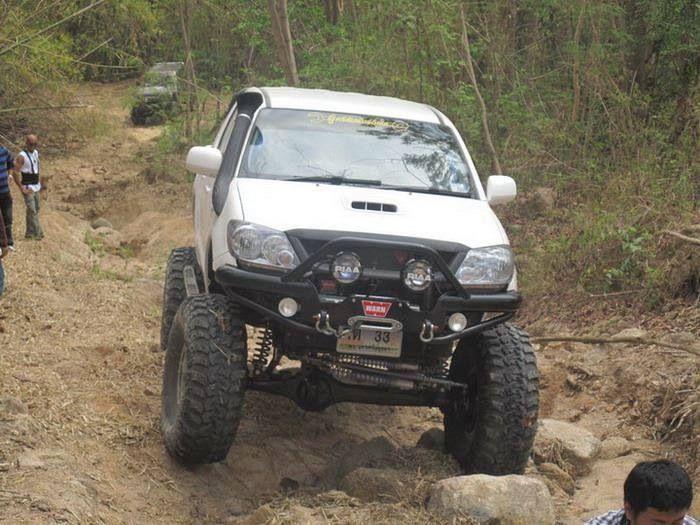 SAS Toyota Hilux