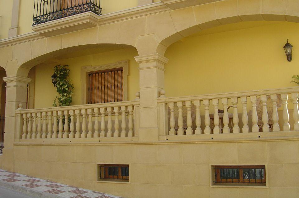 Recercados con molduras de piedra artificial para puertas - Piedra artificial fachadas ...