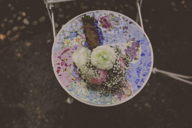 Love small details!  #weddingdetails #vintagewedding #backyardwedding #farmhousewedding #bohemianstylewedding #intimatewedding #weddingflowers #bridebouquet #simplebouquet #details #michiganweddingphotographer #michiganlifestyleweddingphotographer #staciebphotography