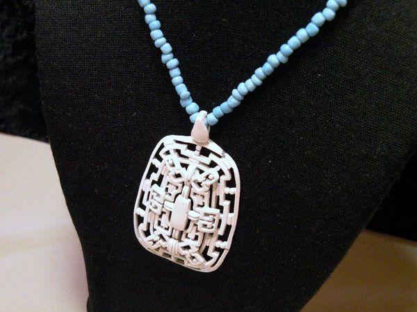 Fashion Handmade Light Blue Beaded Ladies Necklace with Big White Pendant