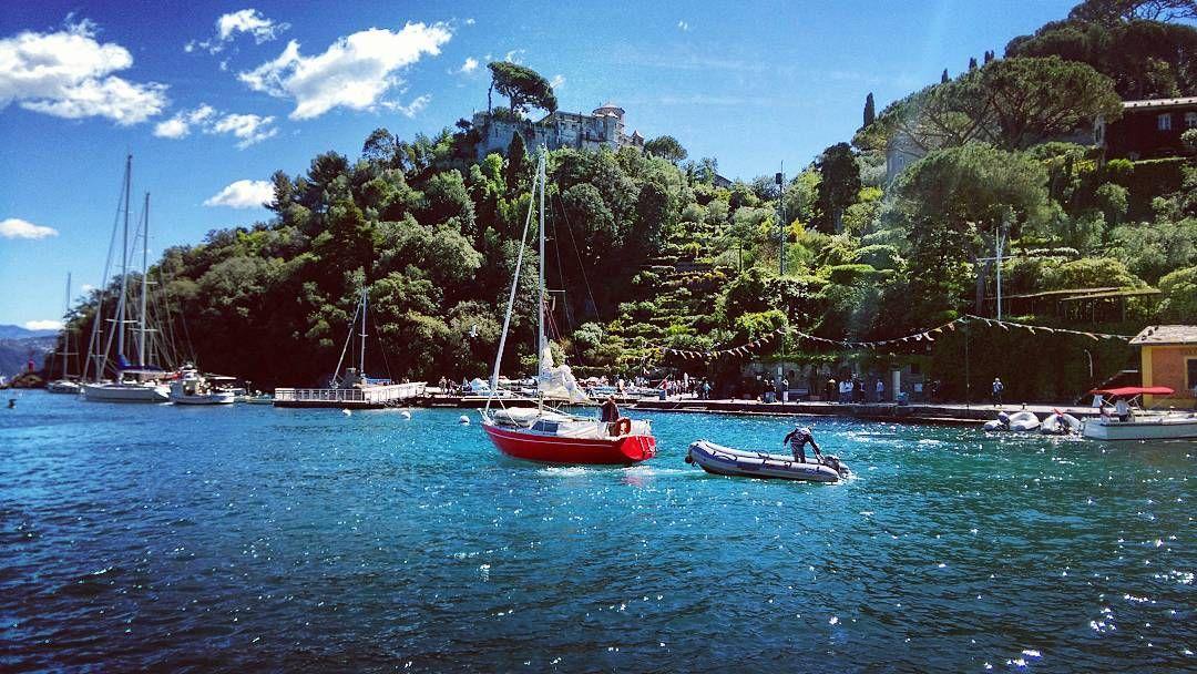 Avolte sembra di essere su una barca che naviga senza sapere verso quale porto si dirige  #portofino #relax #color #colors #nature #port #sailboat  #reflection #topday #picoftheday #ig_liguria #sealove #seaporn #sea #shadows #bluesky #green #promontory #instanature #landescape #peaceful #castellobrown #cloud #beautiful #tranquility #tagstagram #loveit #navigators #promontorio #sealight by maurobardi