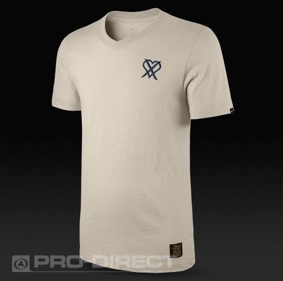 Nike Football Clothing - Nike Cristiano Ronaldo T-Shirt - Training Wear -  Birch-Midnight Navy £24.99 9e9cb1ef1d247