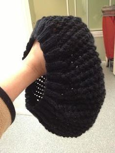 Free knitting pattern: easy knitted hat -- the suggested needle