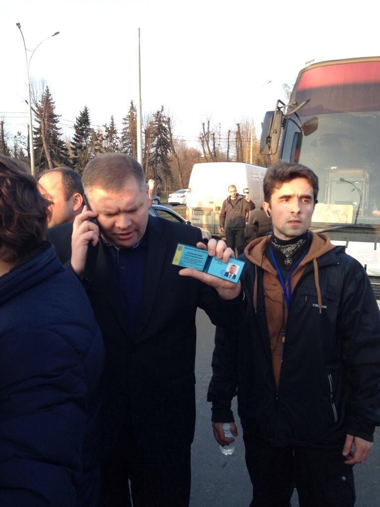 Никита @Nikita Komaroff Какой то депутат качает за Беркут pic.twitter.com/tJvulgtO8a
