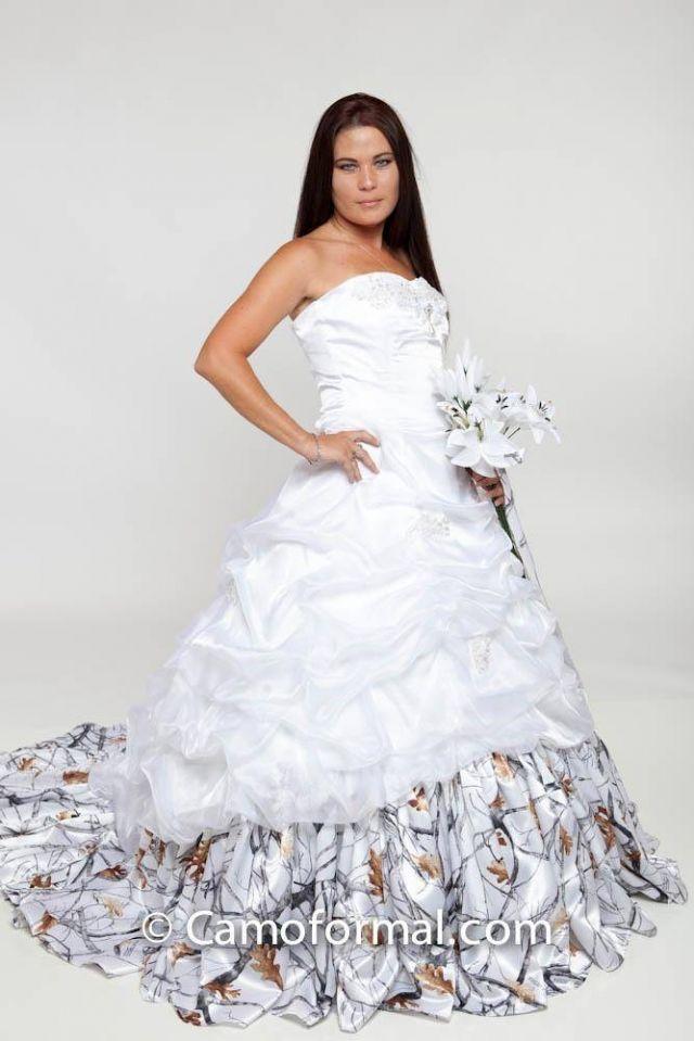 Camof wedding fress camo wedding dress for Snow white camo wedding dress