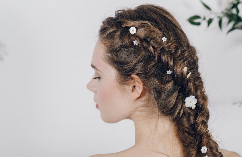 Minnahttp://www.debbiecarlisle.com/collections/enchanted/products/set-of-medium-and-large-mother-of-pearl-carved-wedding-flower-hair-pins