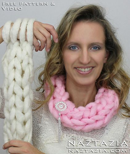 Video Tutorial On How To Arm Knit And Make An Infinity Scarf Or Cowl