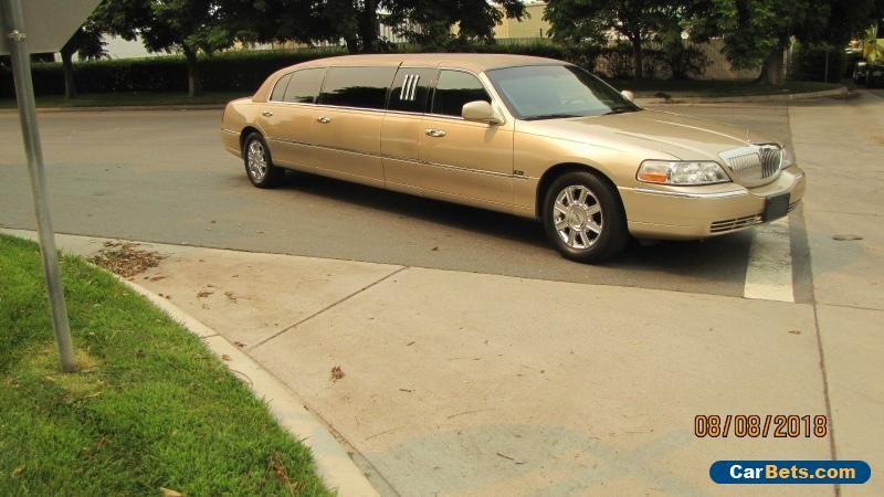 2011 Lincoln Town Car Lincoln Towncar Forsale Canada Cars For