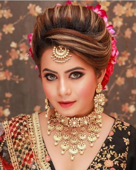Best Bridal Jewelry For Round Face Pakistani Pret Wear Bridal Hairstyle Indian Wedding Indian Bridal Hairstyles Bridal Hair Buns