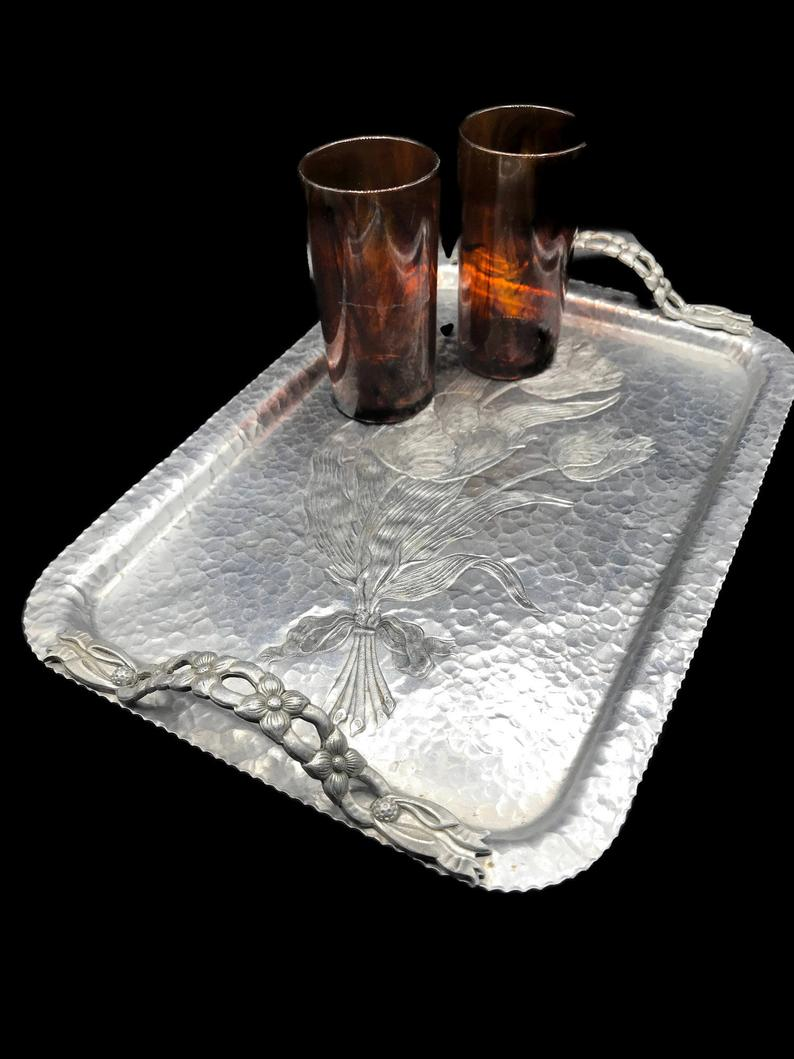 Vintage 1950s Hammered Aluminum Tray With Handles Rodney Kent Serving Tray 408 Tulip Design Mid Century Rectangular Silver Tray Country Aluminum Tray Tray Aluminum Serving Trays