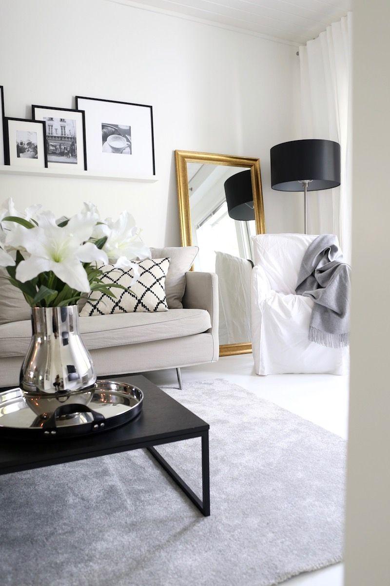 Homevialaura | Classic Livingroom Decor | Golden Mirror | Balmuir Lucca  Throw | Balmuir Stirling Tray