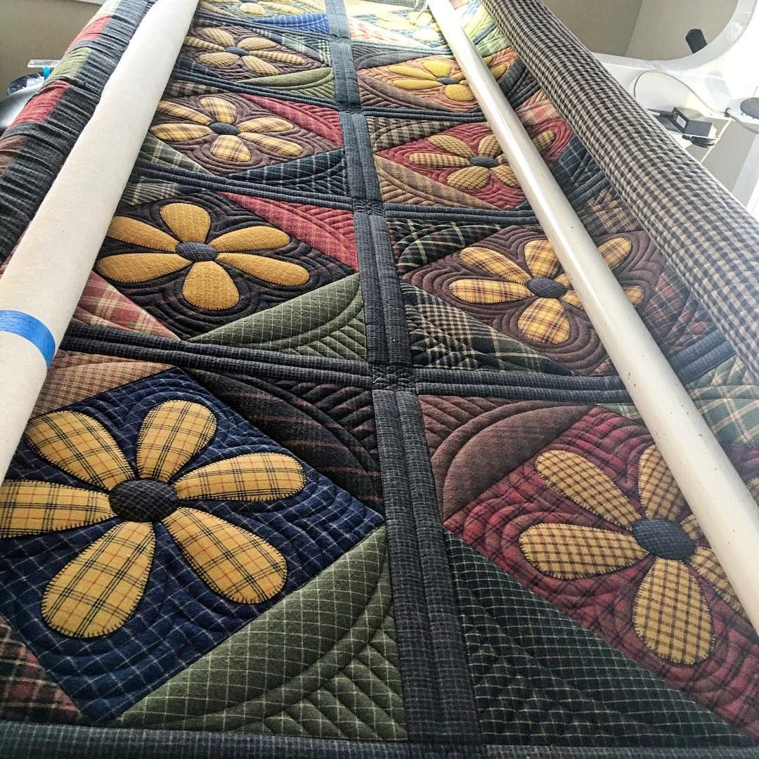 "720 Likes, 32 Comments - Kathleen Riggins (@kathleenquilts) on Instagram: ""#marchmeetthemaker - work in process- ----- I'm working on this quilt of Patty's right now. I'm…"""