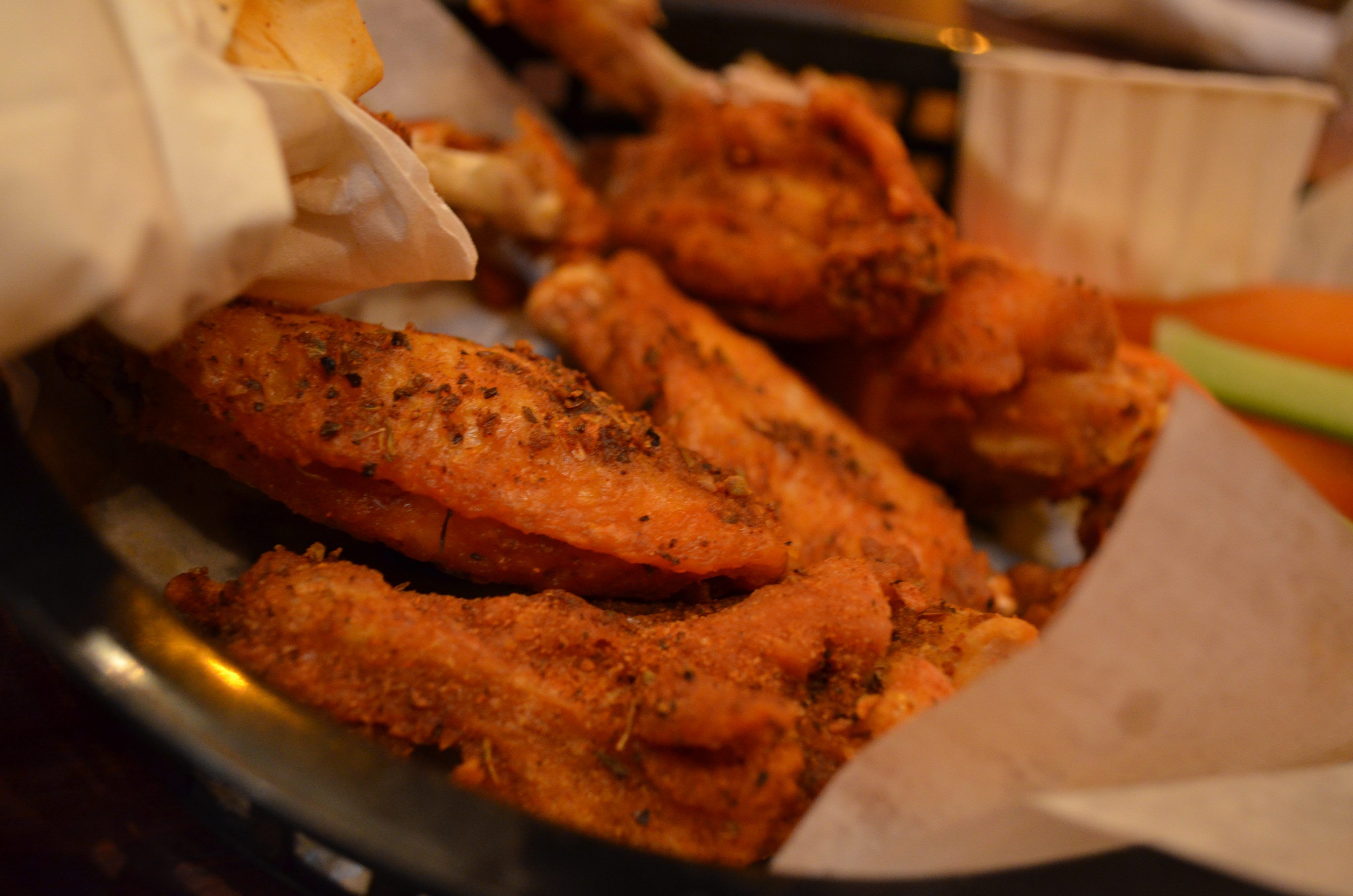 how long to air fry frozen boneless chicken wings