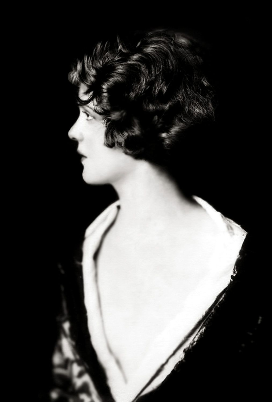 Ziegfeld Follies Show | Casino de paris, Partir a new york