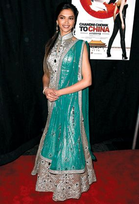 Indian Actresses The Neckline Looks Great Colours Go Well Together Very Close Wedding Guest