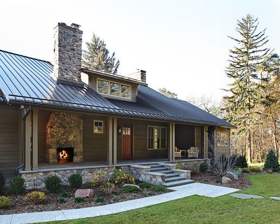 Charming Lakefront House Design in Clic Design: Small Porch ...