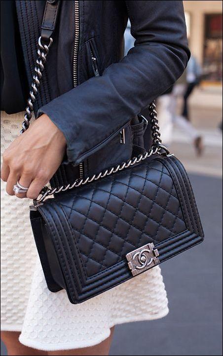 e5a6b9a5843e9 pikowana torebka chanel   torebki   Bags, Chanel le boy i Chanel