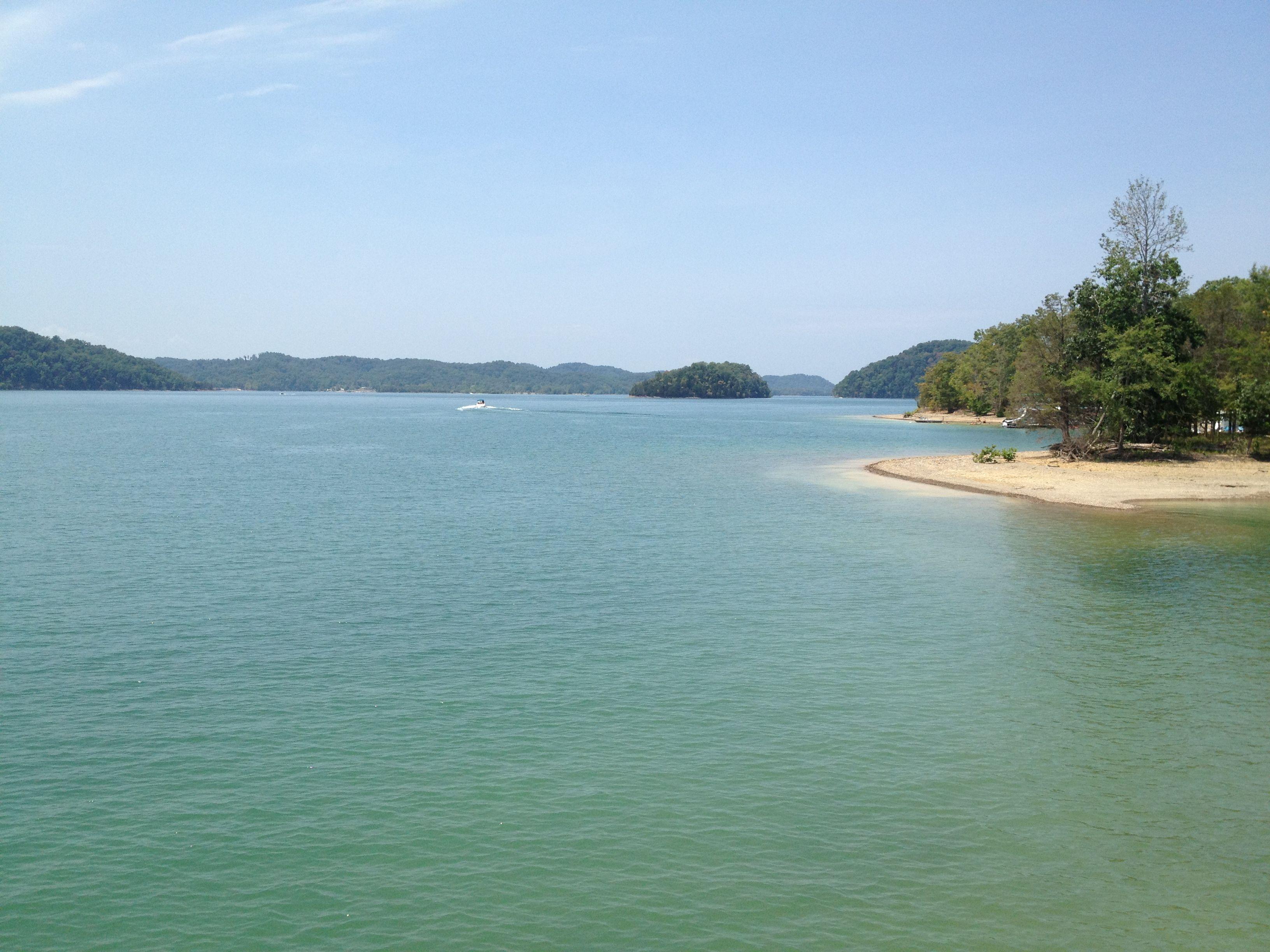 Dale Hollow Lake - a Tennessee Treasure