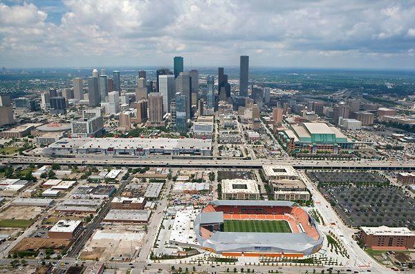 Toyota Center Minutemaid Park Bbva Compass Stadium Downtown Houston Space City Downtown Houston Paris Skyline