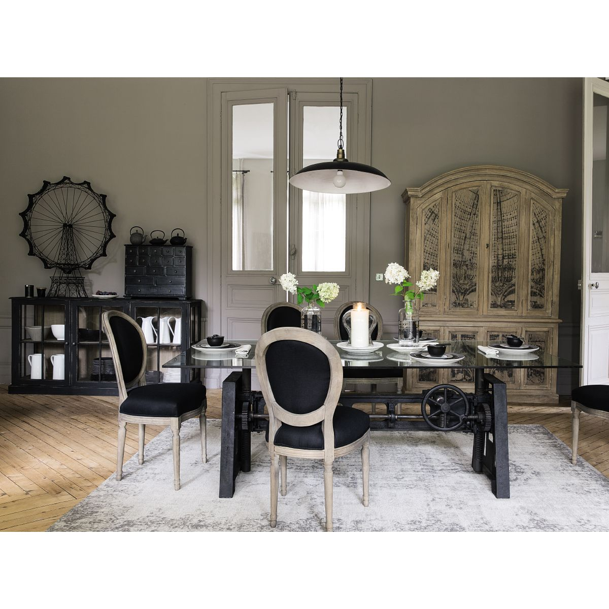 la plus grande maison du monde top russie la plus grande. Black Bedroom Furniture Sets. Home Design Ideas