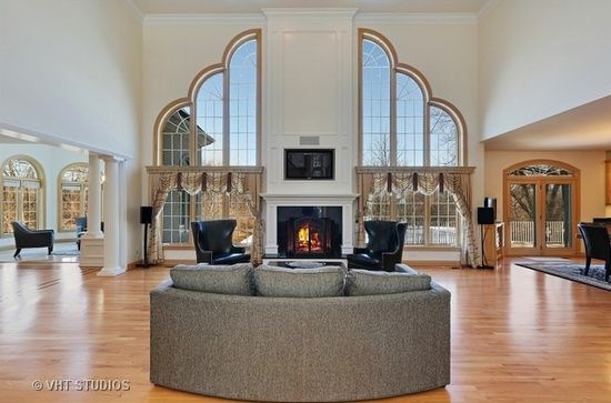 7s621 Donwood Dr Naperville Il 60540 With Images Living Room Warm Luxury Living Room Dream House