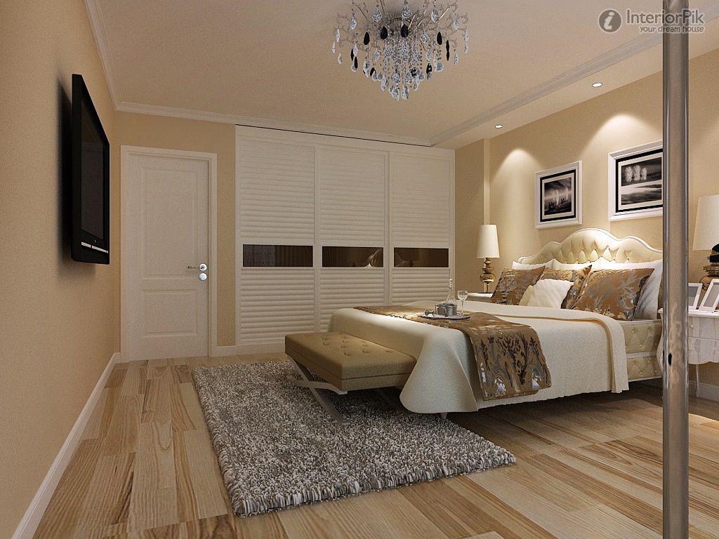 Master bedroom 12 m² sliding wardrobe door decoration