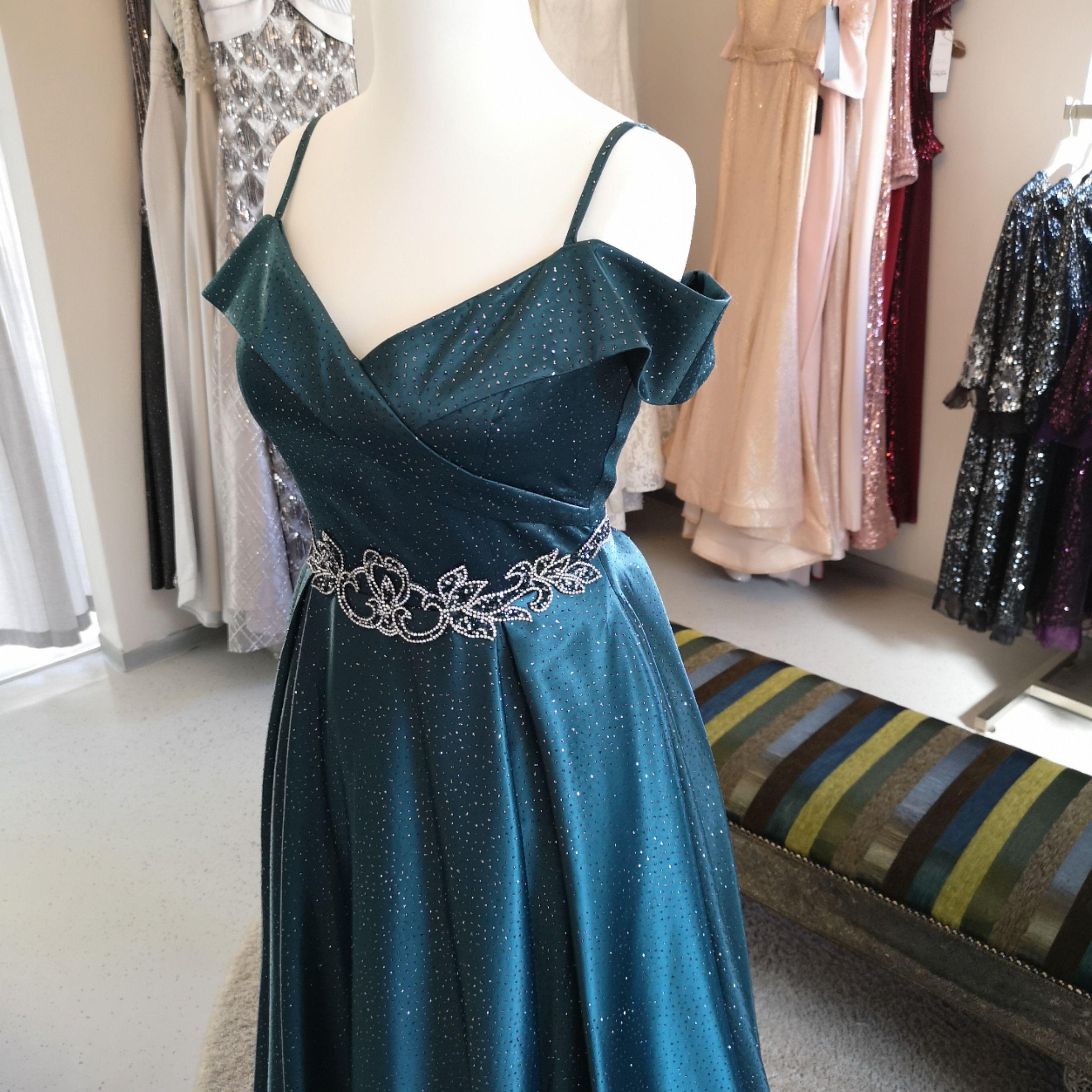 Wir bieten euch die verschiedensten Kleider und Stile für ...