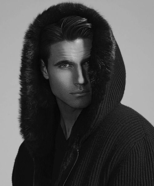 Robbie Amell <3