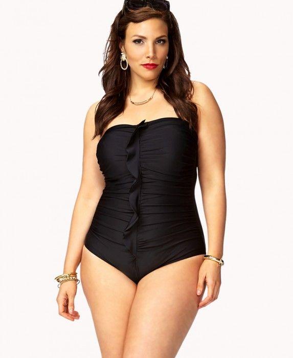 10 maillots de bain grande taille qui mettent en valeur les femmes rondes femmes rondes et. Black Bedroom Furniture Sets. Home Design Ideas