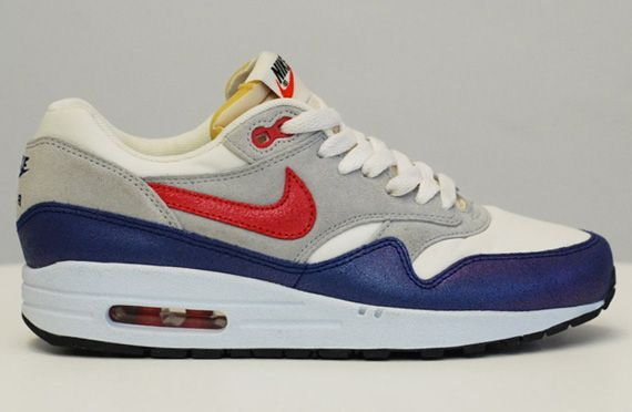 Nike WMNS Air Max 1 Sail Hyper Red Street Grey Blue