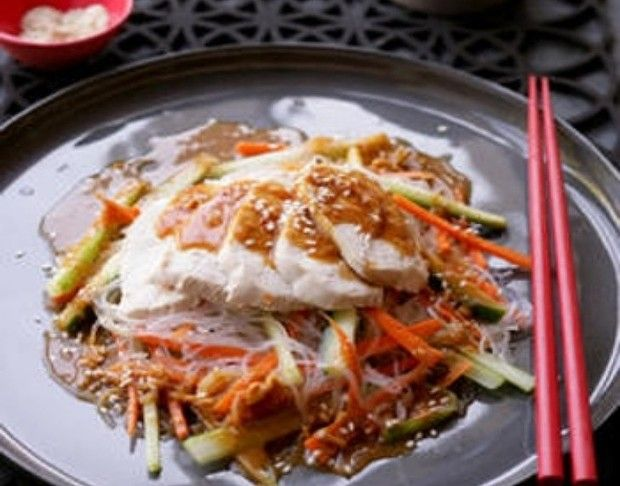 Bang Bang chicken noodle salad - Use shiratake noodles to make it healthy