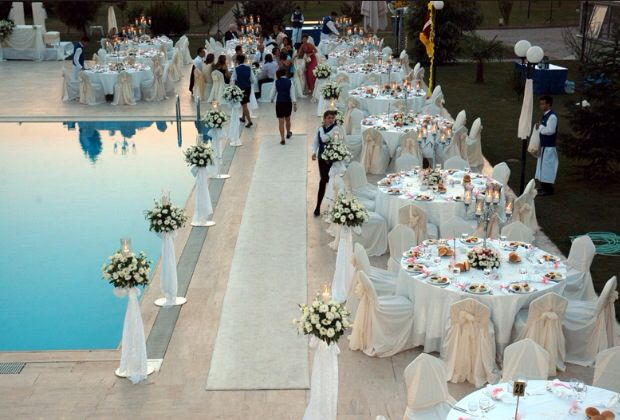 Wedding Decoration Ideas Small Pool: Poolside Wedding And Events