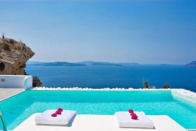 Katikies Hotel In Santorini Greece