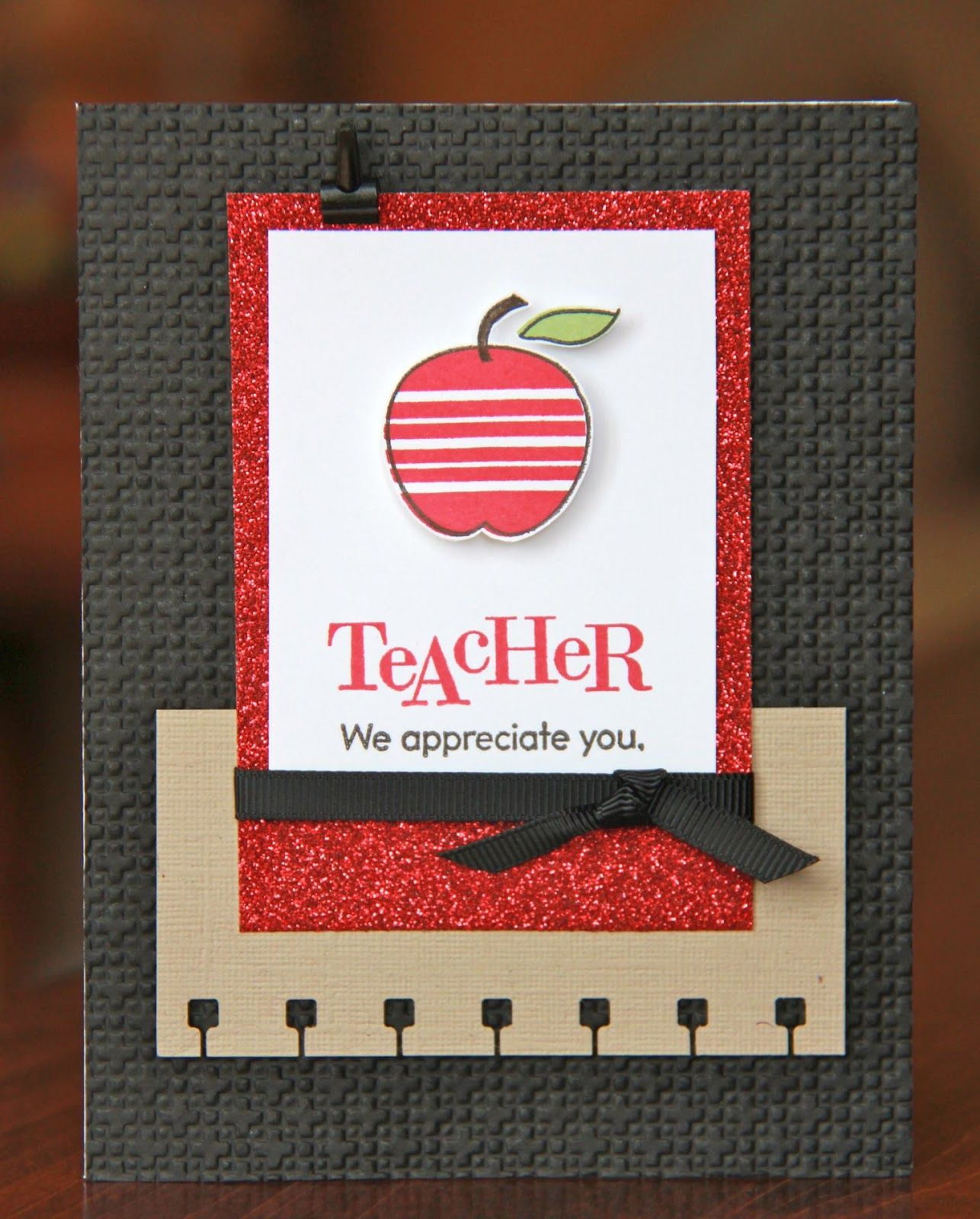 teacher appreciation essays Could you describe a great teacher in six words or less share these great mini-essays to honor the dedicated educators in your building.