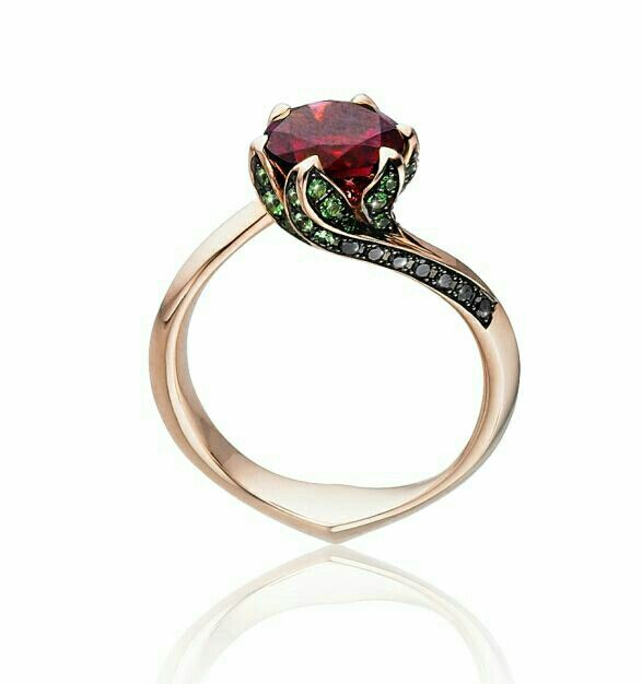 Rose ring with 1.2ct red moissanite, yellow gold