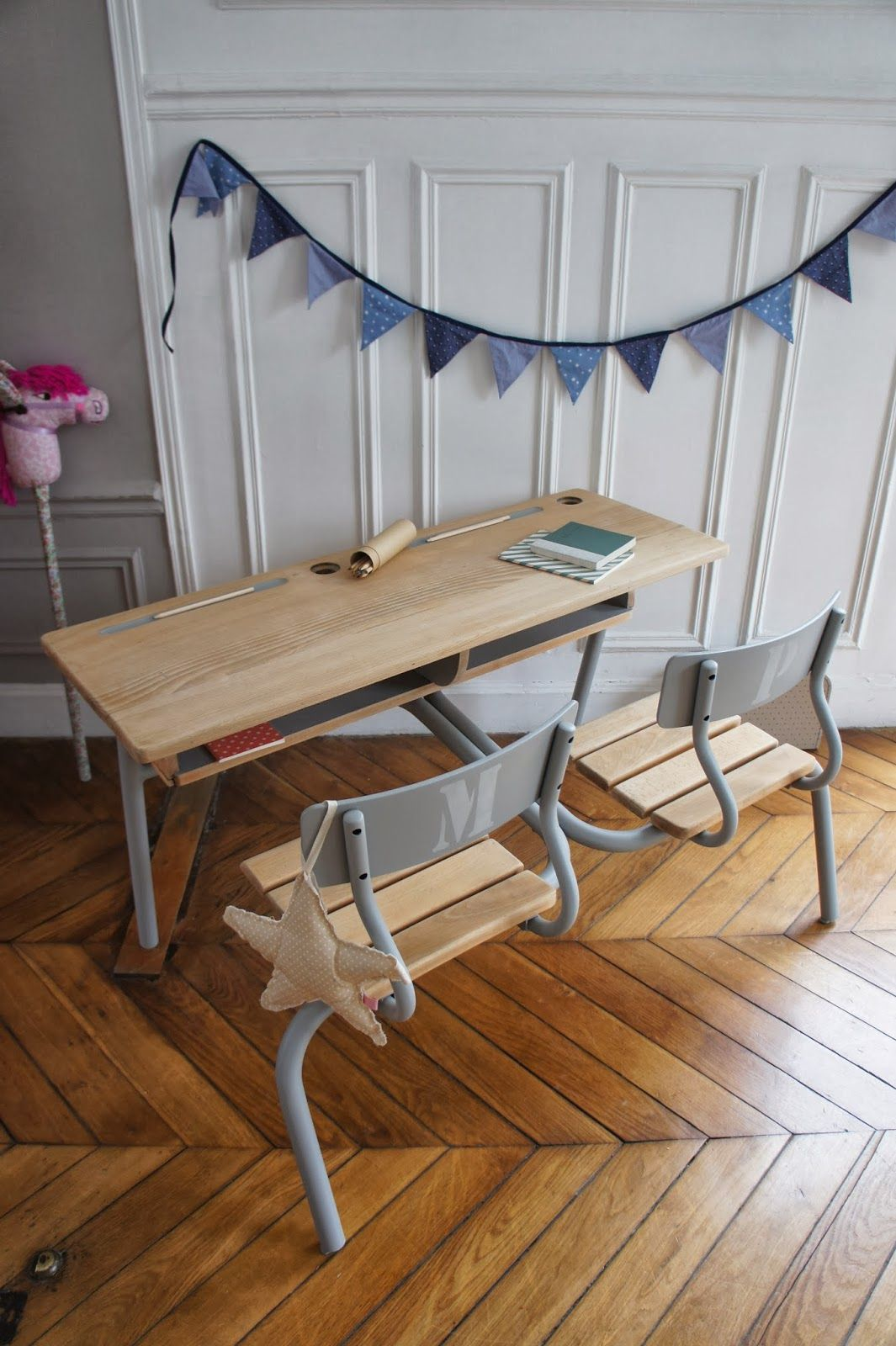 Atelier petit toit pupitre revisit sur commande f v 2013 meble bureau enfant bureau - Customiser un bureau ...