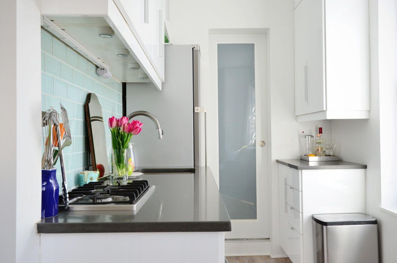 Großzügig Kleine Wohnung Küche Storage Lösungen Bilder - Ideen Für ...