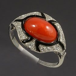 Platinum set diamond onyx and coral rare Art Deco ring 1920c (hva)